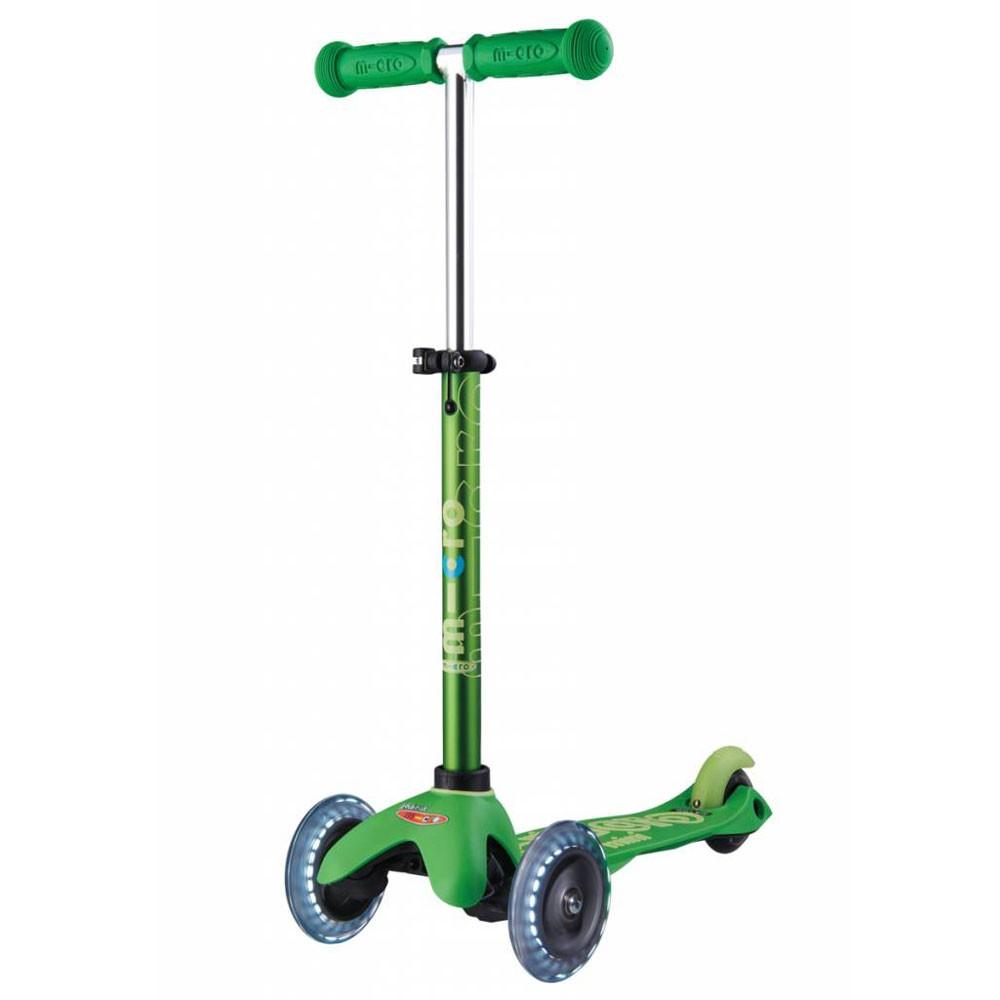 4f91d4faf4a Micro Mini Deluxe Green LED тротинетка със светещи колела - Играчки   Roshko